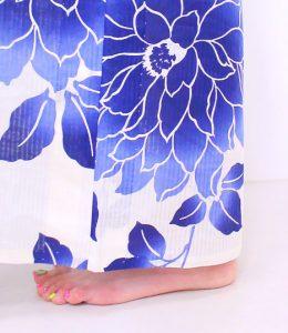 浴衣 着付け 簡単 自分でできる 裾を合わせる